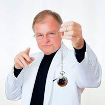Dr Dan Anders headshot